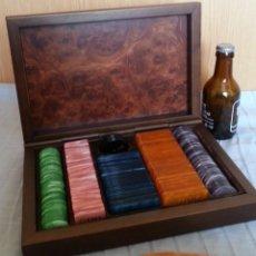 Juegos de mesa: FICHAS PARA PÓKER. AÑOS 90. EN CAJA DE MADERA.. Lote 195309137