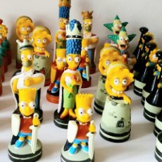 Juegos de mesa: AJEDREZ LOS SIMPSON *** SOLO LAS FIGURAS SIN TABLERO. Lote 198810368