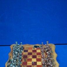 Juegos de mesa: AJEDREZ DE MADERA CON FICHAS DE PLOMO, COMPLETO. Lote 205264201