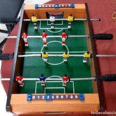 Juegos de mesa: MINI FUTBOLÍN DE MADERA DE SOBREMESA. Lote 205354166