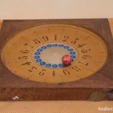 Juegos de mesa: BONITA RULETA PORTATIL DE MADERA. Lote 206138901