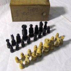 Juegos de mesa: JUEGO DE AJEDREZ EN MADERA CLÁSICO, EN CAJA DE MADERA. Lote 206170248