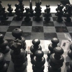Juegos de mesa: ANTIGUO AJEDREX DE MARMOL NEGRO. Lote 206431185
