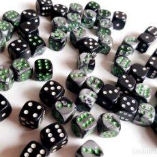 Juegos de mesa: GRAN LOTE DE DADOS ORIGINALES DE CASINO. Lote 207035423
