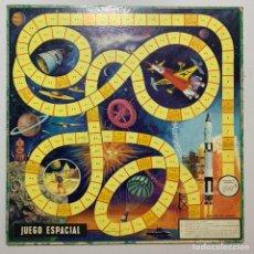 Juegos de mesa: ANTIGUO JUEGO TABLERO AÑOS 50 JUEGO ESPACIAL TIPO LA OCA Y AJEDREZ/DAMAS. Lote 212766962