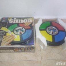 Giochi da tavolo: JUEGO MI AMIGO SIMÓN MEMORIA VISUAL Y SONORA CON CAJA MB 1978. Lote 213784825