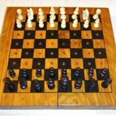 Juegos de mesa: ANTIGUO JUEGO DE AJEDREZ DE VIAJE DE MADERA A ESTRENAR. Lote 215841043