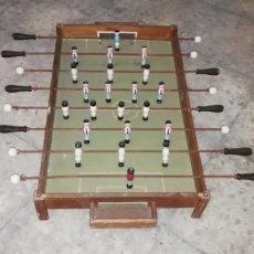 Juegos de mesa: ANTIGUO FUTBOLIN DE MADERA DE SOBREMESA.. Lote 217625036
