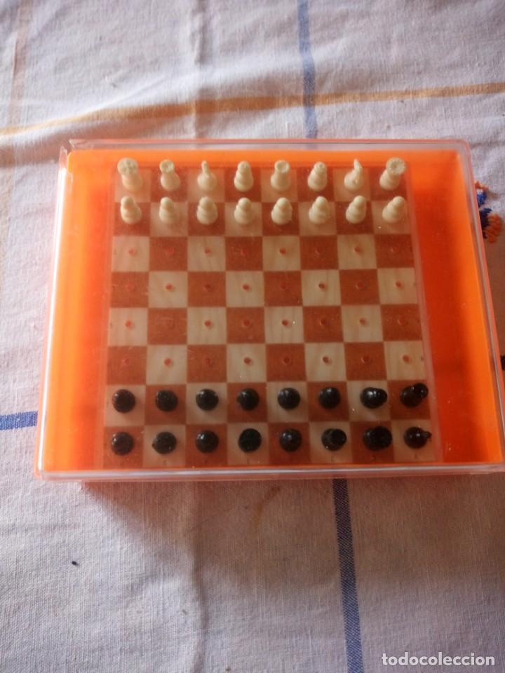 ANTIGUO AJEDREZ DE VIAJE,PVC. (Juguetes - Juegos - Juegos de Mesa)