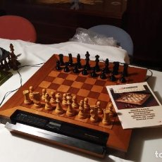 Juegos de mesa: AJEDREZ ELECTRONICO GRAN COMPUTADARA SAITEK RENAISANCE..COMO NUEVA. Lote 218040930