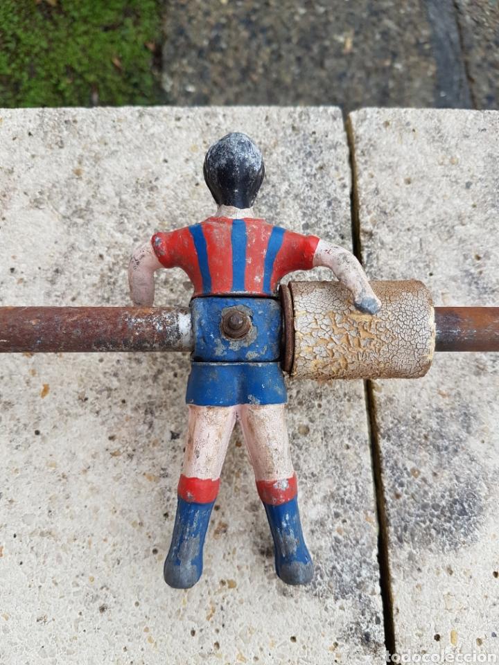 Juegos de mesa: Futbolín antiguo, jugadores del Barcelona años 40 aprox - Foto 2 - 220301992