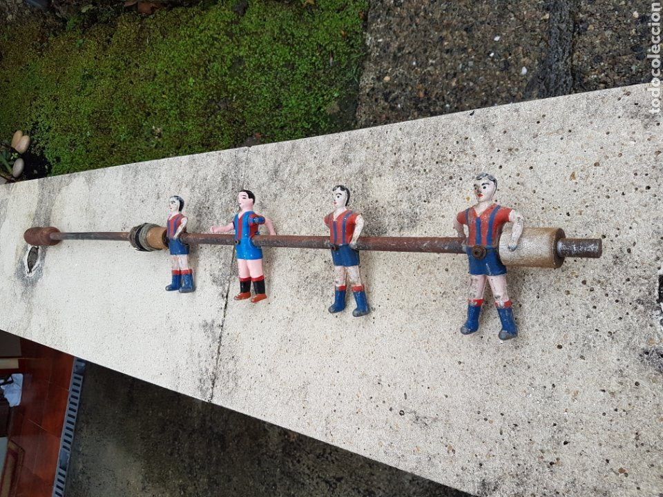 Juegos de mesa: Futbolín antiguo, jugadores del Barcelona años 40 aprox - Foto 3 - 220301992