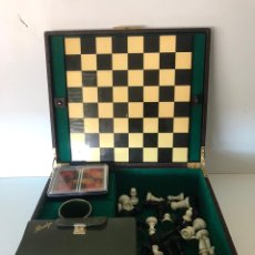 Juegos de mesa: ANTIGUA MALETÍN DE JUEGO AJEDREZ AÑOS 50. Lote 221250615