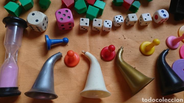 Juegos de mesa: Lote 136,fichas,figuras,de viejos juegos de mesa, uno party y co - Foto 2 - 221691351