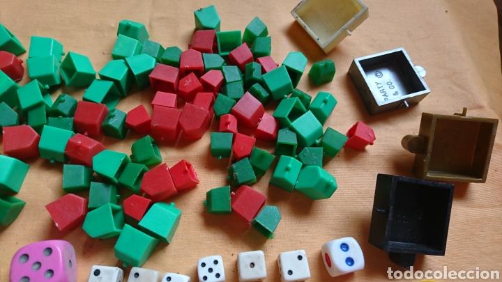 Juegos de mesa: Lote 136,fichas,figuras,de viejos juegos de mesa, uno party y co - Foto 4 - 221691351