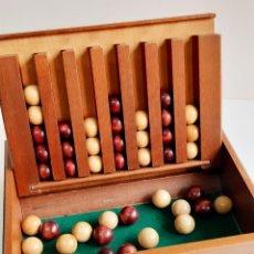 Juegos de mesa: CURIOSO JUEGO DE MESA CREO MADERA 29X23X7.CM CON MAS DE 40 BOLAS DE MADERA DE 23.MM DIAMETRO. Lote 221833590