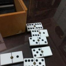 Juegos de mesa: JUEGO DE DOMINO EN PERFECTO ESTADO. Lote 221958242