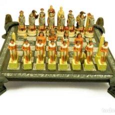 Juegos de mesa: AJEDREZ. EGIPCIOS-ROMANOS. 42X42X12CM. Lote 222382272