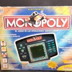 Juegos de mesa: MONOPOLY OPERACIONES INMOBILIARIAS ELECTRONICO DE HASBRO AÑO 2000. Lote 222471118