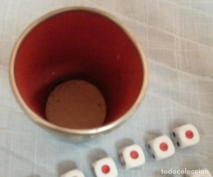 Juegos de mesa: Cubilete y 14 dados de póker. Conjunto. Buen estado. - Foto 3 - 222748705