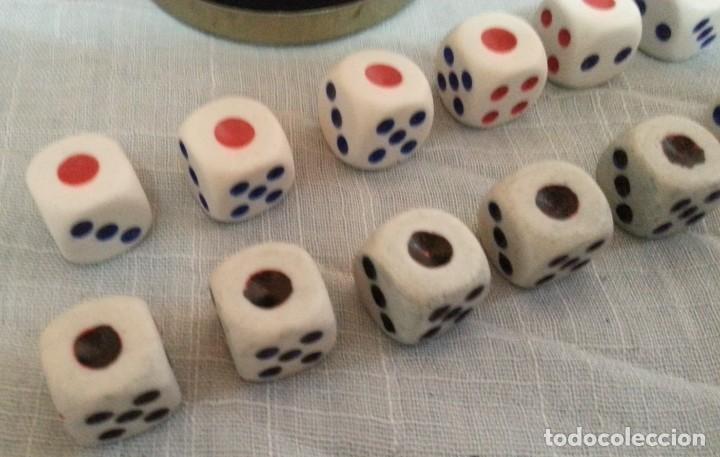 Juegos de mesa: Cubilete y 14 dados de póker. Conjunto. Buen estado. - Foto 5 - 222748705