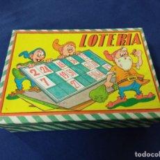 Juegos de mesa: LOTERIA INFANTIL BINGO ENANITOS AÑOS 50 COMPLETA CARTONES CONTADOR Y FICHAS MADERA. Lote 257735335
