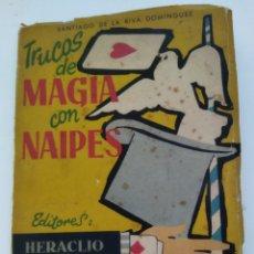 Juegos de mesa: LIBRITO DE TRUCO DE MAGIA CON NAIPES .AÑO 1958. Lote 235120125