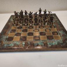 Juegos de mesa: JUEGO DE AJEDREZ. GRECIA. BRONCE. Lote 235463715