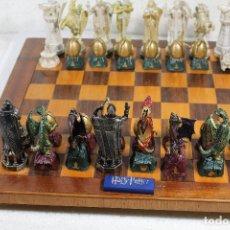 Juegos de mesa: AJEDREZ HARRY POTTER. Lote 239755675