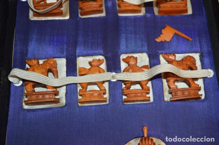 Juegos de mesa: Antiguo ESTUCHE/CAJA AJEDREZ / Piezas en hueso o similar, talladas cada una a mano ¡Precioso, MIRA! - Foto 4 - 240083890
