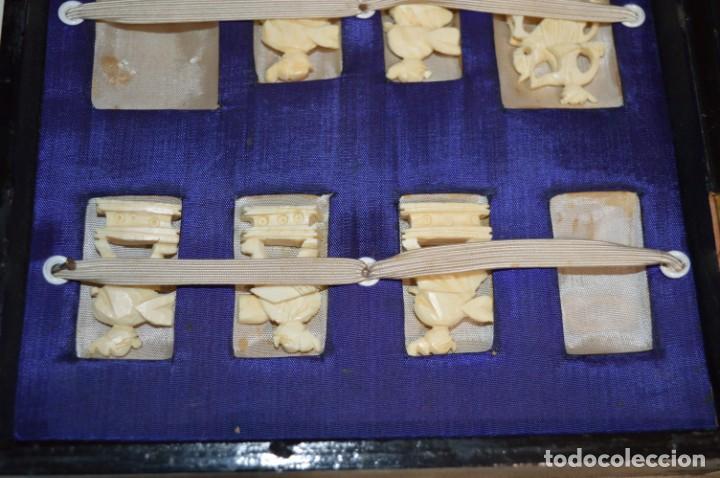 Juegos de mesa: Antiguo ESTUCHE/CAJA AJEDREZ / Piezas en hueso o similar, talladas cada una a mano ¡Precioso, MIRA! - Foto 10 - 240083890