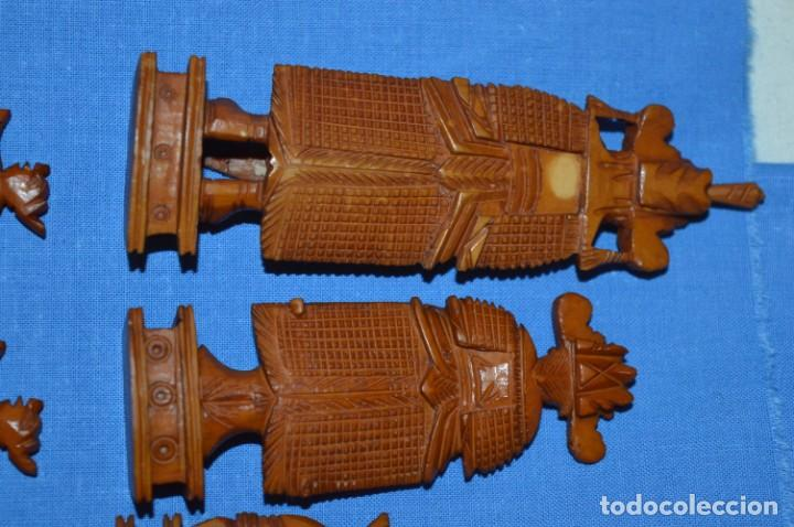 Juegos de mesa: Antiguo ESTUCHE/CAJA AJEDREZ / Piezas en hueso o similar, talladas cada una a mano ¡Precioso, MIRA! - Foto 15 - 240083890