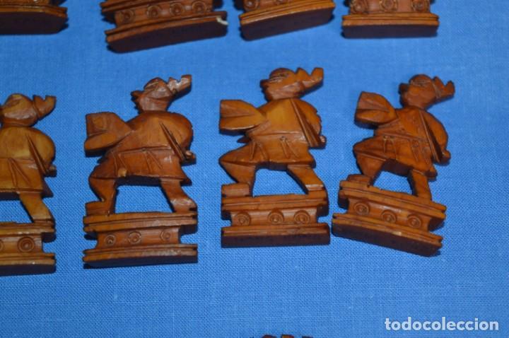 Juegos de mesa: Antiguo ESTUCHE/CAJA AJEDREZ / Piezas en hueso o similar, talladas cada una a mano ¡Precioso, MIRA! - Foto 22 - 240083890