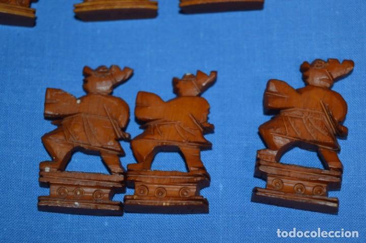 Juegos de mesa: Antiguo ESTUCHE/CAJA AJEDREZ / Piezas en hueso o similar, talladas cada una a mano ¡Precioso, MIRA! - Foto 23 - 240083890