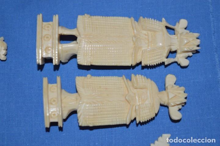 Juegos de mesa: Antiguo ESTUCHE/CAJA AJEDREZ / Piezas en hueso o similar, talladas cada una a mano ¡Precioso, MIRA! - Foto 26 - 240083890