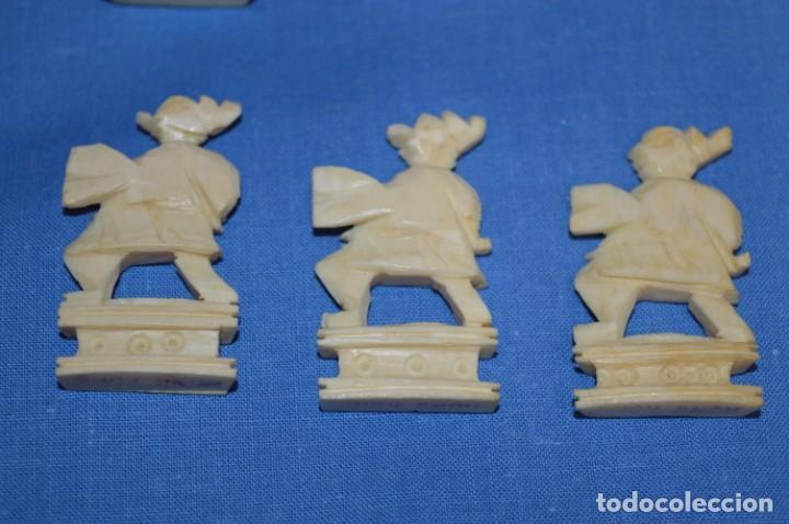 Juegos de mesa: Antiguo ESTUCHE/CAJA AJEDREZ / Piezas en hueso o similar, talladas cada una a mano ¡Precioso, MIRA! - Foto 33 - 240083890