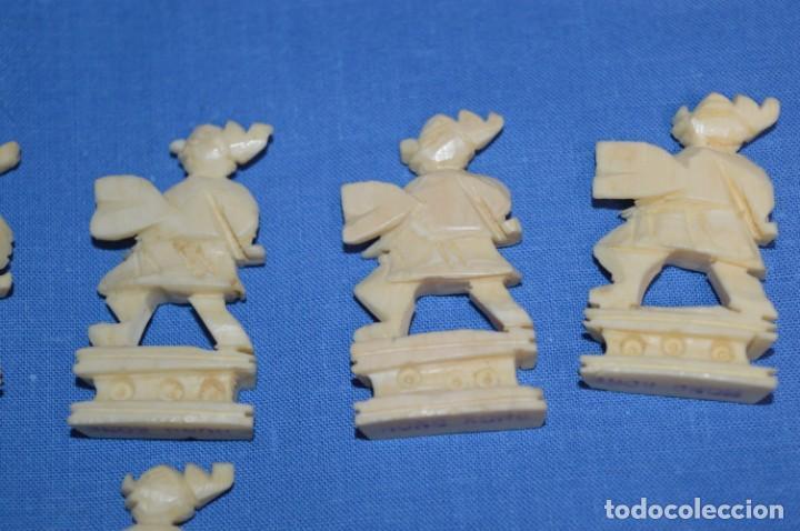 Juegos de mesa: Antiguo ESTUCHE/CAJA AJEDREZ / Piezas en hueso o similar, talladas cada una a mano ¡Precioso, MIRA! - Foto 34 - 240083890