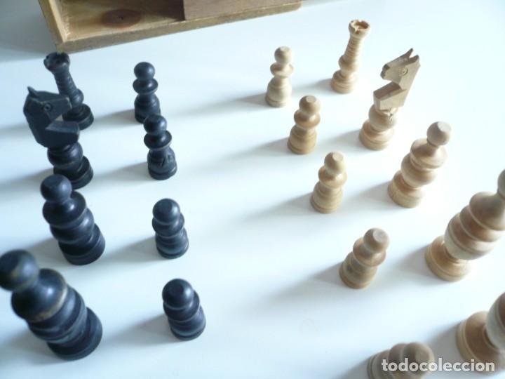 Juegos de mesa: ANTIGUO AJEDREZ PEQUEÑO. FICHAS DE MADERA TIPO REGENCIA. EN CAJA Y SIN TABLERO. COMPLETO - Foto 9 - 240270495