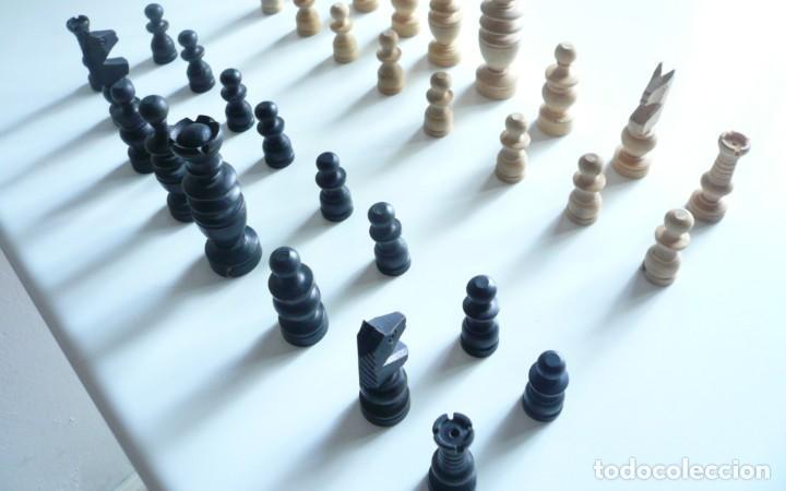 Juegos de mesa: ANTIGUO AJEDREZ PEQUEÑO. FICHAS DE MADERA TIPO REGENCIA. EN CAJA Y SIN TABLERO. COMPLETO - Foto 11 - 240270495