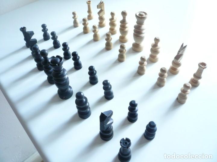 Juegos de mesa: ANTIGUO AJEDREZ PEQUEÑO. FICHAS DE MADERA TIPO REGENCIA. EN CAJA Y SIN TABLERO. COMPLETO - Foto 17 - 240270495