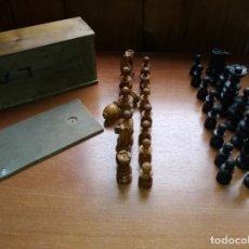 Jogos de mesa: ESTUCHE FICHAS DE AJEDREZ TORNEADAS EN MADERA DE BOJ - PRINCIPIOS SIGLO XX. Lote 240580840