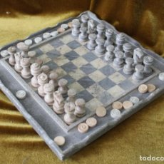 Juegos de mesa: AJEDREZ Y JUEGO DE DAMAS, TALLADO EN ESTEATITA O PIEDRA JABÓN, 30 X 30 CM. Lote 268309339