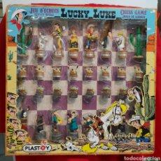 Juegos de mesa: AJEDREZ LUCKY LUKE . PLASTOY. EN SU CAJA. Lote 269745353