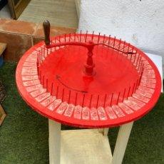 Jogos de mesa: ANTIGUO Y CURIOSO JUEGO RULETA DE MESA ( 70X60 CM ) . VER FOTOS. Lote 271809563