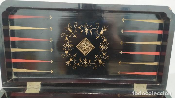 Juegos de mesa: Ajedrez con tablero de laca china y piezas de marfil tallado, finales XIX - Foto 24 - 272649213