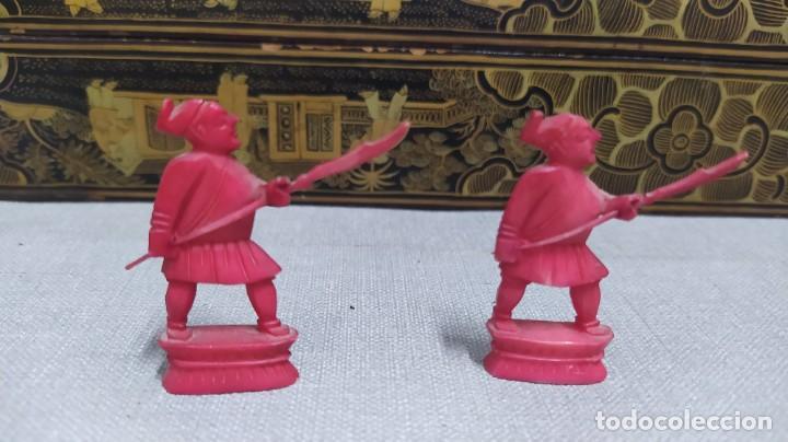 Juegos de mesa: Ajedrez con tablero de laca china y piezas de marfil tallado, finales XIX - Foto 39 - 272649213