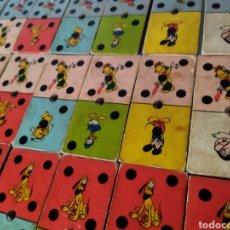 Juegos de mesa: ANTIGUO DOMINO DISNEY AÑOS 60,.CON LAS 28 FICHAS.. Lote 277197208