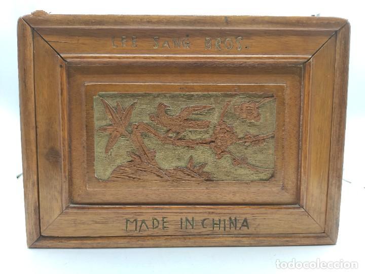 Juegos de mesa: Juego de mesa chino Mah- Jongg, caja en madera tallada con aplicaciones en bronce y fichas en hueso - Foto 2 - 277728558