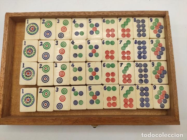 Juegos de mesa: Juego de mesa chino Mah- Jongg, caja en madera tallada con aplicaciones en bronce y fichas en hueso - Foto 4 - 277728558