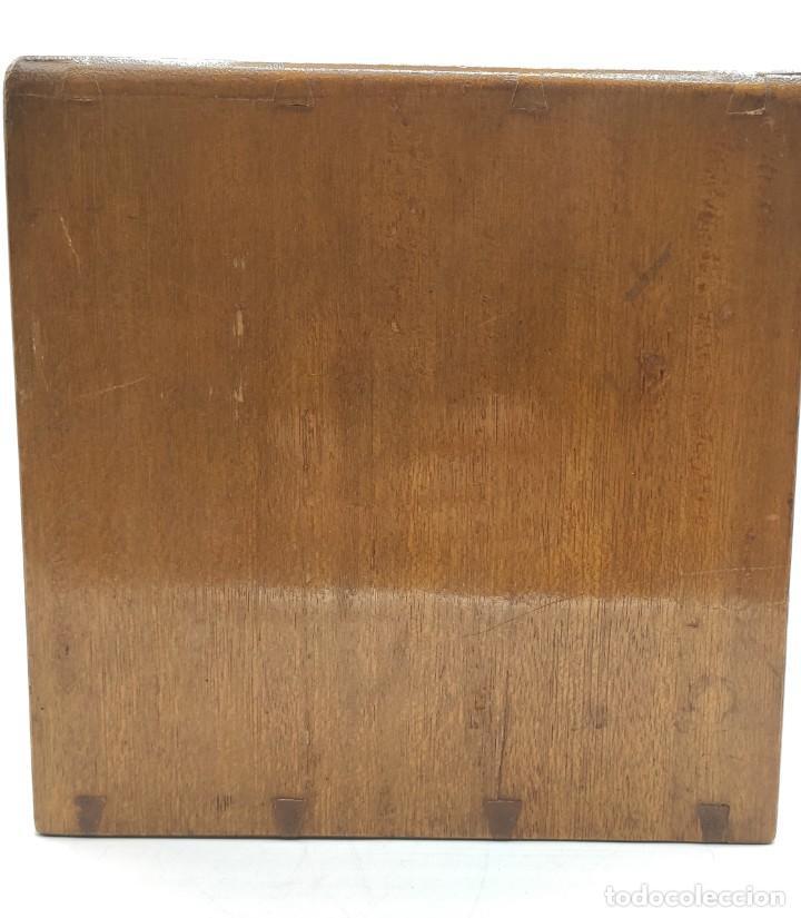 Juegos de mesa: Juego de mesa chino Mah- Jongg, caja en madera tallada con aplicaciones en bronce y fichas en hueso - Foto 11 - 277728558